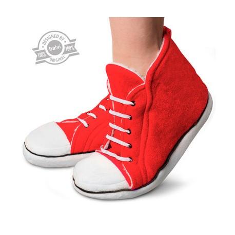 Pantuflas, diseño bota sport.
